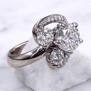 Ring Diamond Split Shank 3.50 Carats Engagement